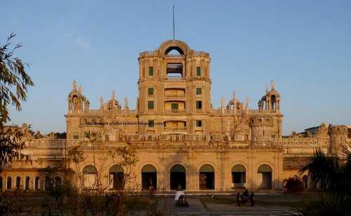 Colonial architecture modern india iasmania civil for Home architecture in lucknow