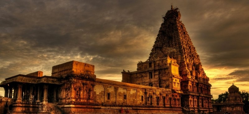 brihadeeswarar_temple